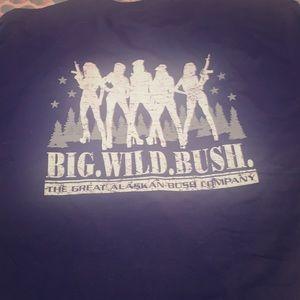 The great Alaskan bush company T-shirt Sz LG